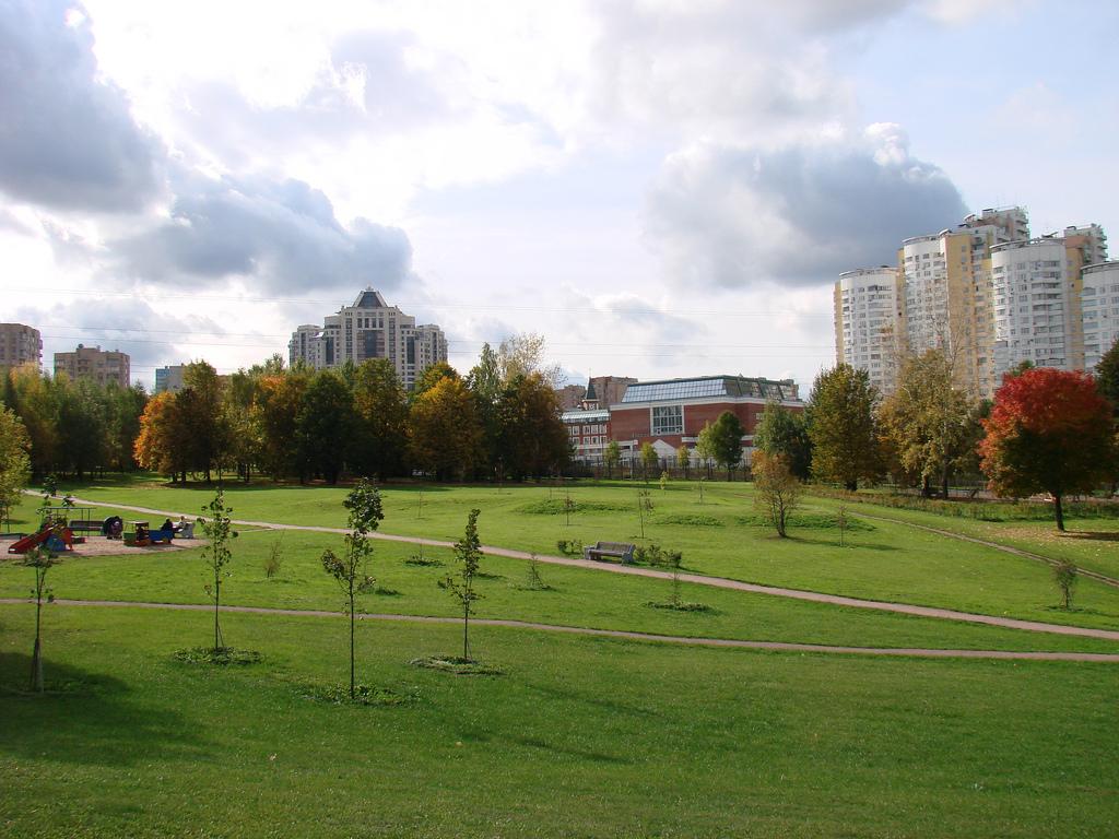 Parchi e spazi verdi mosca for Progettare spazi verdi